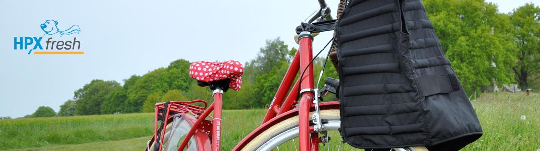 Schwarze HPX Kühlweste kühlt bei Fahrradtour